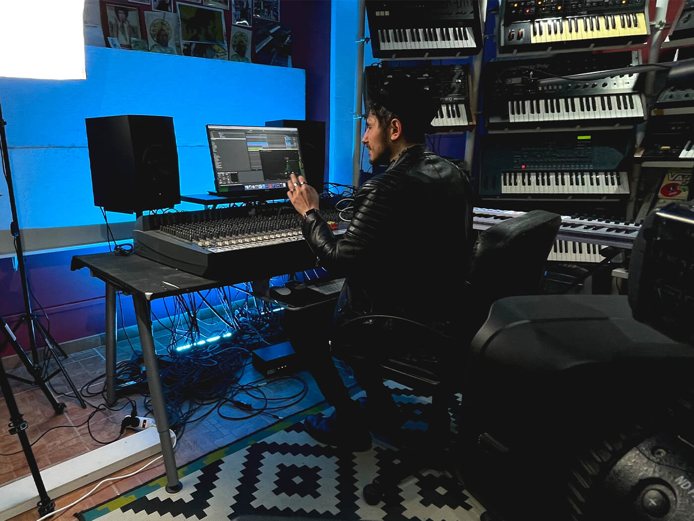 SEEDJ's virtual music production academy puts you in contact with leading record labels