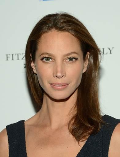 5 Celebrities Who Swear by Beauty Supplements